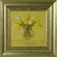 """Постер в раме  """"Белые и желтые тюльпаны в вазе"""", размер 23,5х23,5, багет 501.0847-02 - ДЕКАРТ - настоящая багетная мастерская на Московской!"""